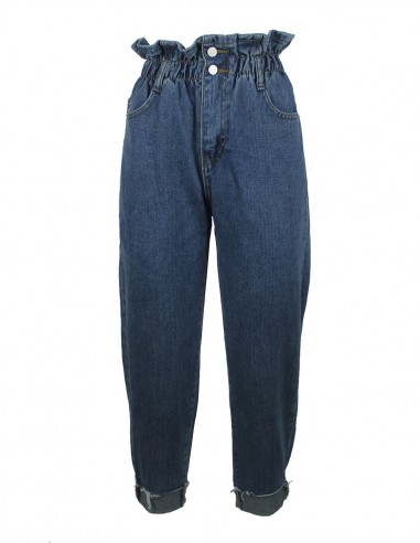 Slouchy jeans stretched high-waisted