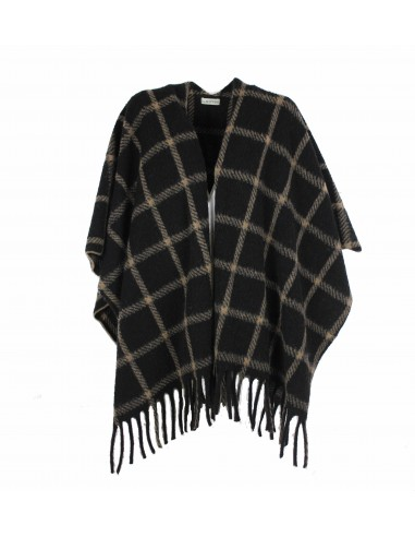 Wool cape with fringes